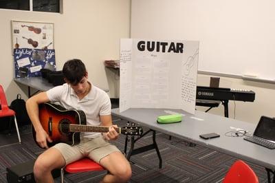 2019 Senior 3# project learn guitar